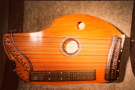 Redwood Top Alpine Concert Zither by John Roeder jroeder@columbus.rr.com USA